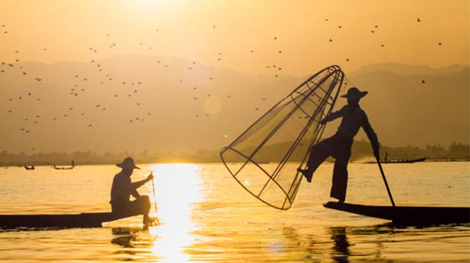 Sông có khúc, người có lúc, vạn sự tùy duyên không tranh đấu thì hạnh phúc đong đầy